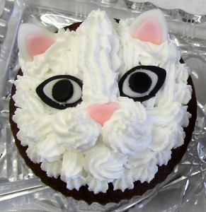 Cake-of-the-Art_ARTcake_Katze weiß